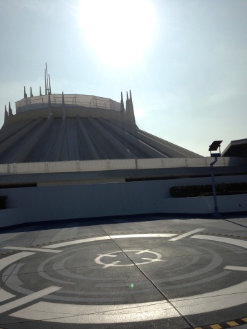 You can see the grossness of Space Mountain a little bit better here, though the backlighting isn't doing it any favors.